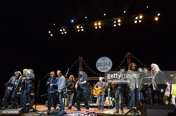 Eddie Vedder Florence Welch Al JardineNeil Young Micah Nelson Chris Cornell Norah Jones Catherine Popper and Pegi Young perform during the 28th...