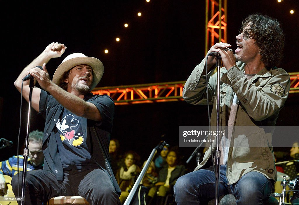 Eddie Vedder (L) of Pearl Jam and Chris Cornell perform during the 28th annual Bridge School Benefit at Shoreline Amphitheatre on October 26, 2014 in Mountain View, California.