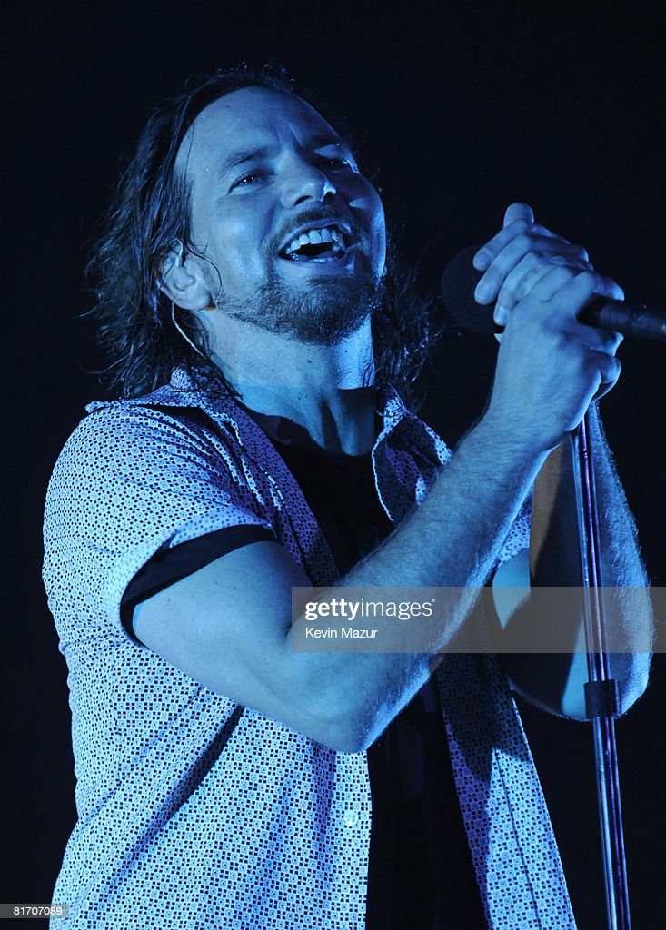 Pearl Jam in Concert at Madison Square Garden - June 24, 2008 : News Photo