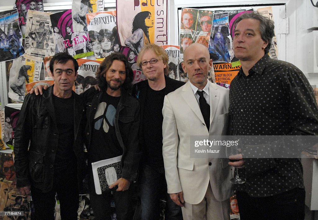 Eddie Vedder (2nd from left), presenter, with Bill Berry, Mike Mills, Michael Stipe and Peter Buck of R.E.M., inductees *EXCLUSIVE*