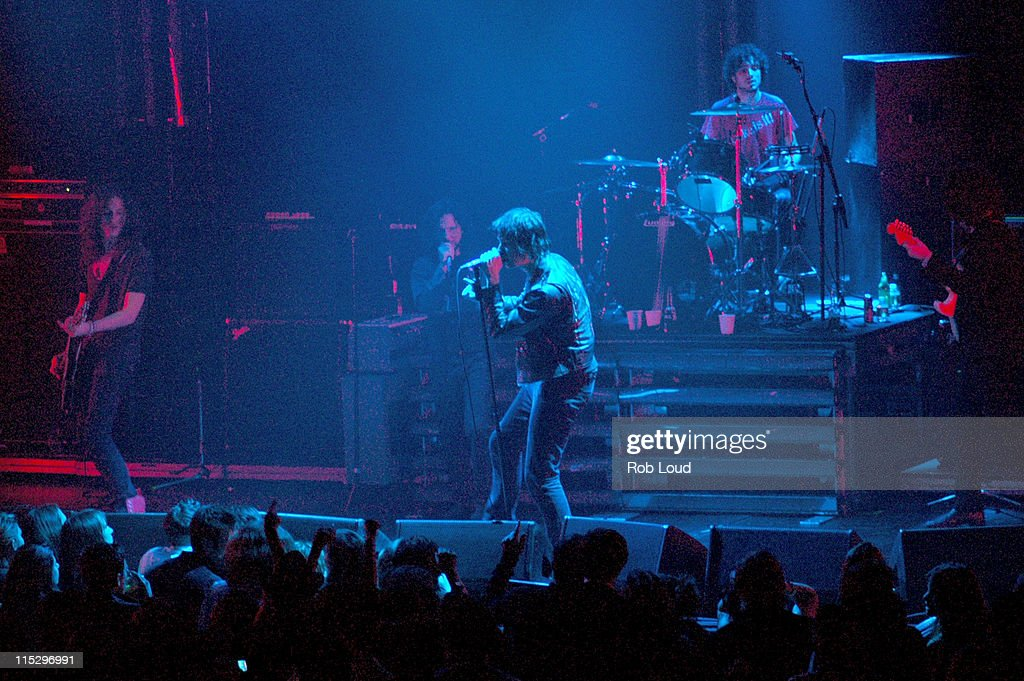 Rolling Stone Magazine Celebrates Its 1000th Issue - Concert : News Photo
