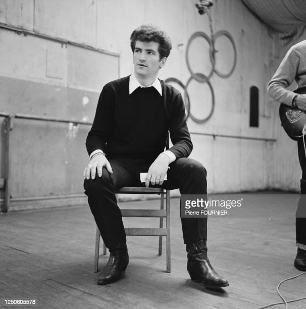 Eddy Mitchell en répétition avec le groupe Les Chaussettes Noires en studio à l'Olympia de Paris.