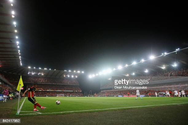 Eden Hazard of Belgium takes a corner during the FIFA 2018 World Cup Qualifier between Belgium and Gibraltar at Stade Maurice Dufrasne on August 31...