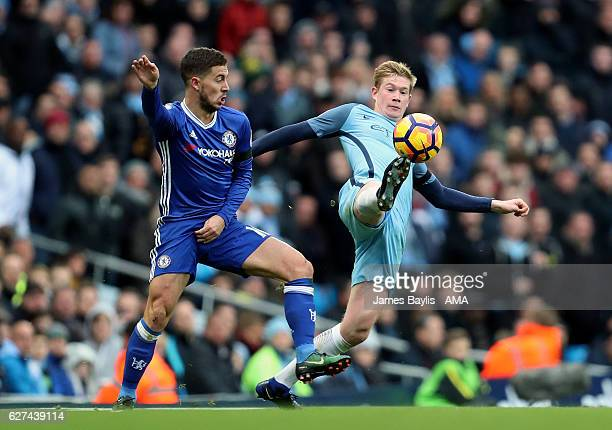 Eden Hazard of Chelsea and Kevin De Bruyne of Manchester City during the Premier League match between Manchester City and Chelsea at Etihad Stadium...