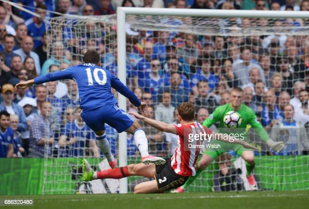 Eden Hazard of Chelsea scores his sides second goal during the Premier League match between Chelsea and Sunderland at Stamford Bridge on May 21 2017...
