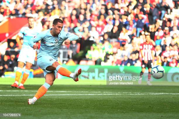 Eden Hazard of Chelsea scores his team's first goal during the Premier League match between Southampton FC and Chelsea FC at St Mary's Stadium on...
