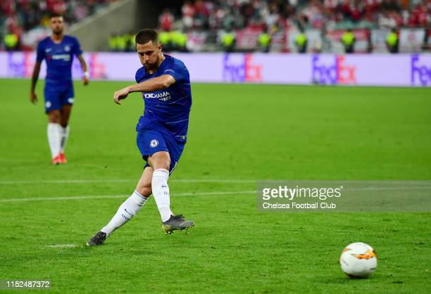 Eden Hazard of Chelsea scores his team's third goal during the UEFA Europa League Final between Chelsea and Arsenal at Baku Olimpiya Stadionu on May...