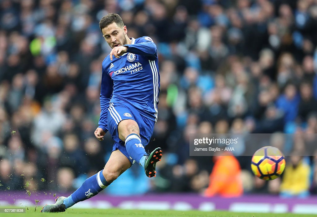 Eden Hazard of Chelsea scores his team's third goal to make the score 1-3 during the Premier League match between Manchester City and Chelsea at Etihad Stadium on December 3, 2016 in Manchester, England.