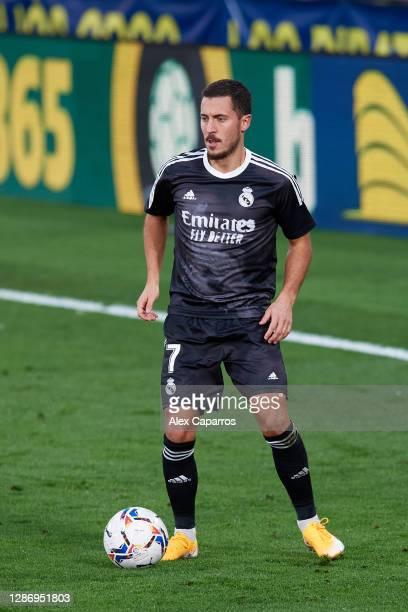 Eden Hazard of Real Madrid CF conducts the ball during the La Liga Santander match between Villarreal CF and Real Madrid at Estadio de la Ceramica on...