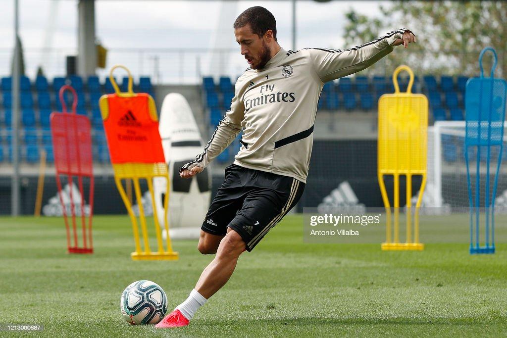 Real Madrid Training Session : News Photo