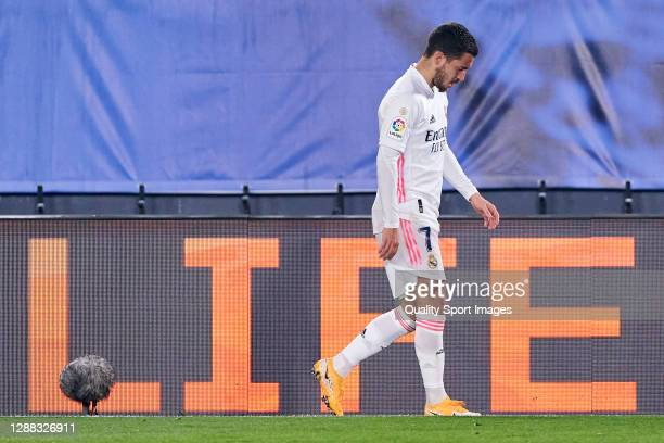 Eden Hazard of Real Madrid reacts after getting injured during the La Liga Santander match between Real Madrid and Deportivo Alaves at Estadio...