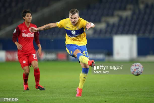 Eden Karzev of Maccabi Tel-Aviv scores his sides first goal during the UEFA Champions League Play-Off second leg match between RB Salzburg and...