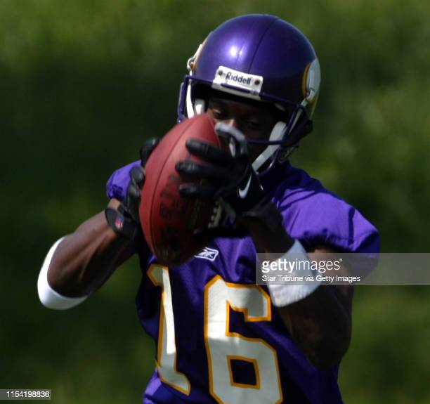 Eden Prairie, Mn - Minnesota Vikings first day of a three-day minicamp at Winter Park. Vikings wide receiver Kelly Campbell makes a catch during a...
