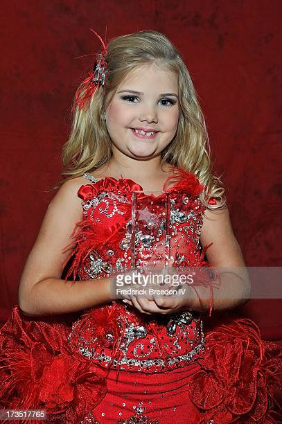 Eden Wood poses with her Entertainer of the Year Award at the First Annual Youth Excellence Awards at Holiday Inn Nashville Opryland Airport on July...