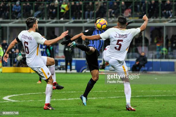 Eder of FC Inter competes for the ball with Juan Jesus and Kevin Strootman of AS Roma during Serie A football FC Inter versus AS Roma FC inter and AS...
