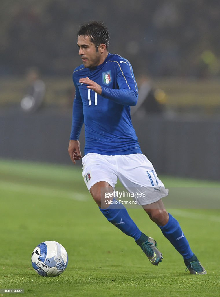 Eder of Italy in action during the international friendly match between Italy and Romania at Stadio Renato Dall'Ara on November 17, 2015 in Bologna, Italy.