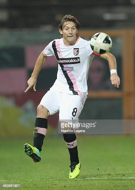 Edgar Barreto of Palermo during the Serie B match between Reggina Calcio and US Citta di Palermo at Stadio Oreste Granillo on November 16 2013 in...