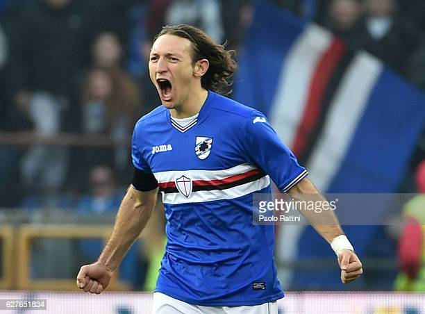 Edgar Barreto of Sampdoria celebrates after scoring the first goal during the Serie A match between UC Sampdoria and FC Torino at Stadio Luigi...