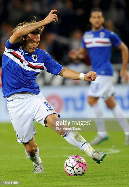 Edgar Barreto of UC Sampdoria in action during the Serie A match between UC Sampdoria and AS Roma at Stadio Luigi Ferraris on September 23 2015 in...