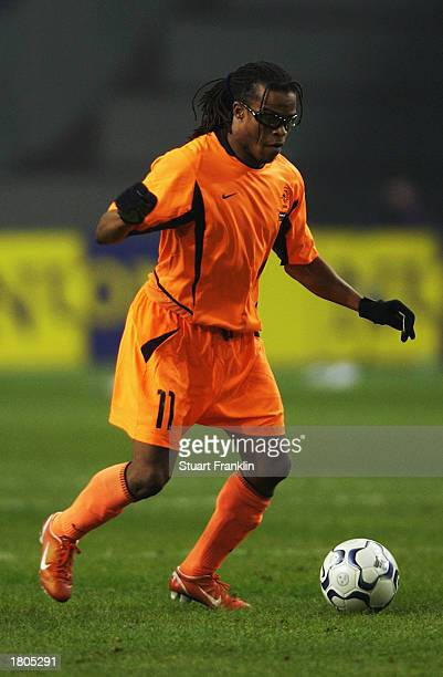Edgar Davids of Holland with the ball at his feet during the International friendly match between Holland and Argentina held on February 12, 2003 at...