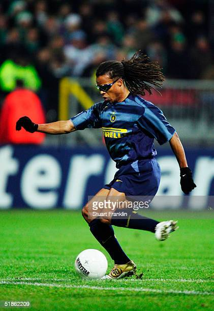 Edgar Davids of Inter Milan during the UEFA Champions League Group G match between Werder Bremen and Inter Milan at The Weser Stadium on November 24,...
