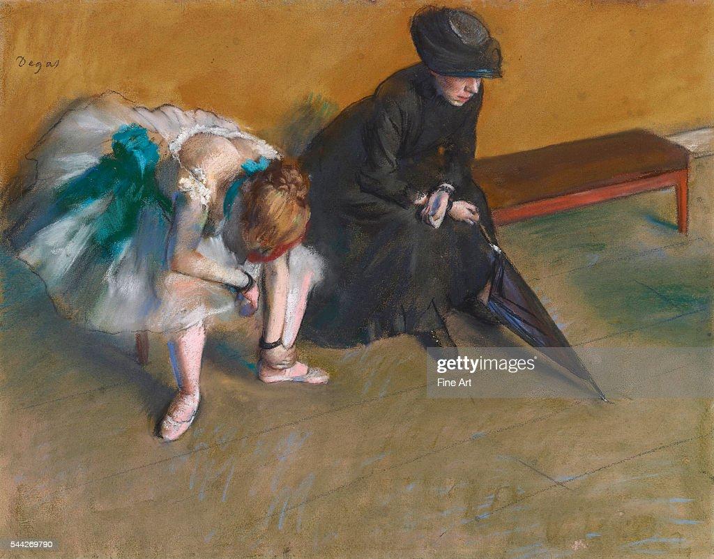 Waiting by Edgar Degas : News Photo