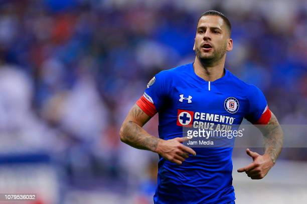 Edgar Mendez of Cruz Azul looks on drives the ball during during the semifinal second leg match between Cruz Azul and Monterrey as part of the Torneo...