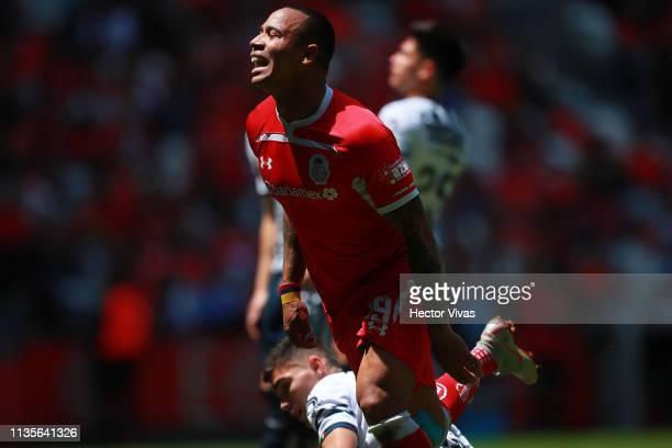 Edgar Pardo of Toluca gestures during the 13th round match between Toluca and Monterrey as part of the Torneo Clausura 2019 Liga MX at Nemesio Diez...