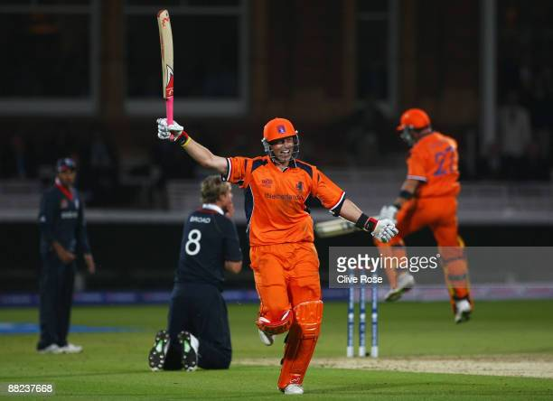 Edgar Schiferli of Netherlands celebrates victory with Ryan ten Doeschate of Netherlands during the ICC World Twenty20 Group B match between England...