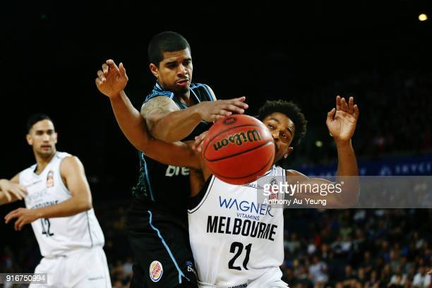 Edgar Sosa of the Breakers competes against Casper Ware of United during the round 18 NBL match between the New Zealand Breakers and Melbourne United...