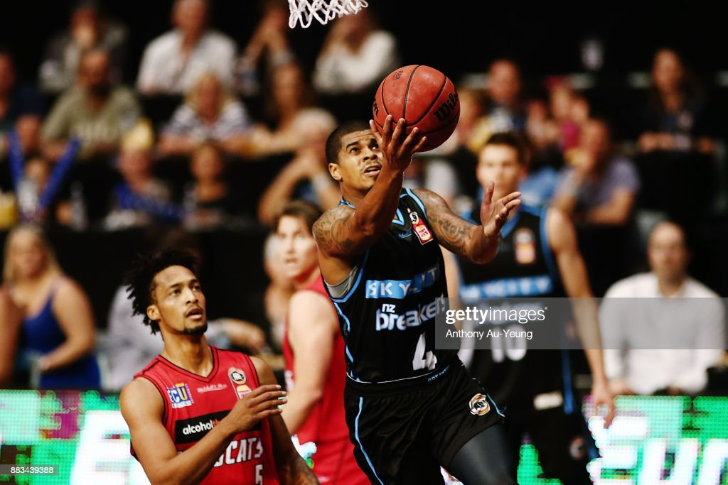 Edgar Sosa of the Breakers goes to the basket during the round eight NBL match between the New Zealand Breakers and the Perth Wildcats at North Shore Events Centre on December 1, 2017 in Auckland, New Zealand.