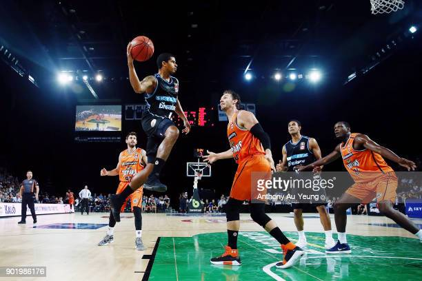Edgar Sosa of the Breakers looks to make a pass against Alex Loughton of the Taipans during the round 13 NBL match between the New Zealand Breakers...