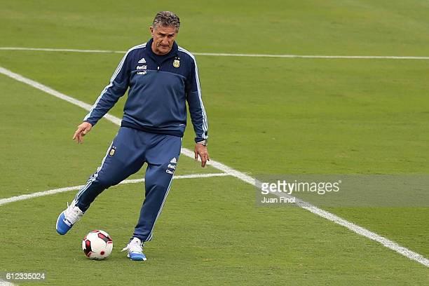 Edgardo Bauza coach of Argentina plays the ball during a training session at Alberto Gallardo Stadium on October 03 2016 in Lima Peru