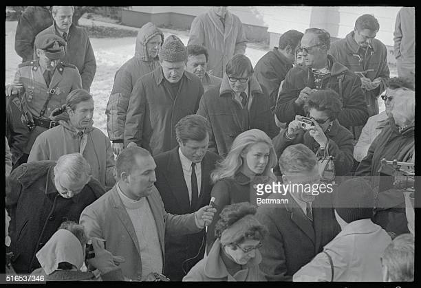 Sen Edward M Kennedy is questioned by newsmen on the steps of the Dukes County Courthouse he and his wife Joan left court where the senator faced...