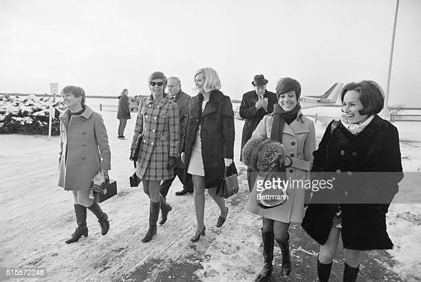 Edgartown Mass The five girls that attended the party on Chappaquiddick Island the night Mary Jo Kopechne was killed return to airport terminal from...