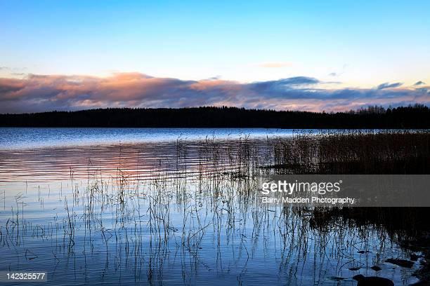 edge of lake - ラッペーンランタ ストックフォトと画像