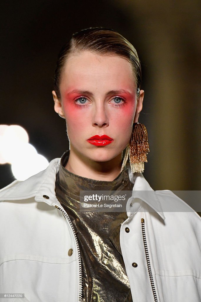 Edie Campbell walks the runway during the Kenzo show as part of the Paris Fashion Week Womenswear Spring/Summer 2017 on October 4, 2016 in Paris, France.