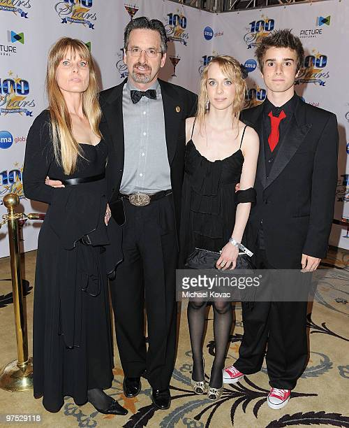 Edie Mani actor Robert Carradine Marica Carradine and Ian Carradine arrive at the 20th Annual Night of 100 Stars Awards Gala at Beverly Hills Hotel...