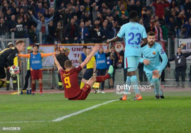 Edin Dzeko during the UEFA Champions League quarter final match between AS Roma and FC Barcelona at the Olympic stadium on April 10 2018 in Rome Italy