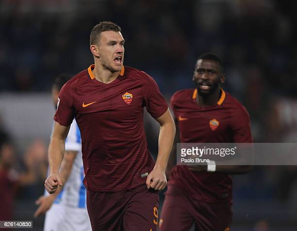 Edin Dzeko of AS Roma celebrates after scoring the opening goal during the Serie A match between AS Roma and Pescara Calcio at Stadio Olimpico on...