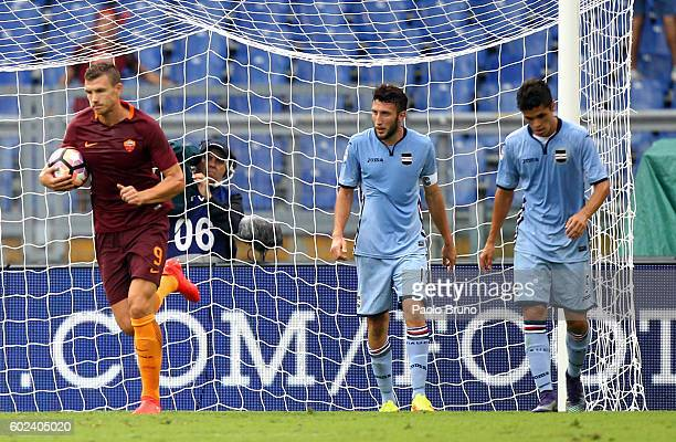 Edin Dzeko of AS Roma celebrates after scoring the team's second goal during the Serie A match between AS Roma and UC Sampdoria at Stadio Olimpico on...