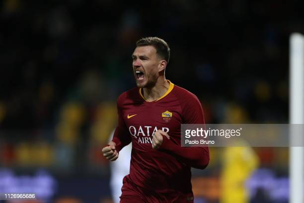 Edin Dzeko of AS Roma celebrates after scoring the team's third goal during the Serie A match between Frosinone Calcio and AS Roma at Stadio Benito...