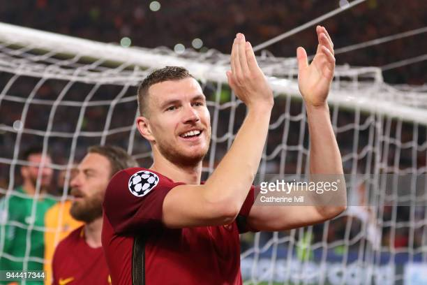 Edin Dzeko of AS Roma celebrates victory after the UEFA Champions League Quarter Final Second Leg match between AS Roma and FC Barcelona at Stadio...