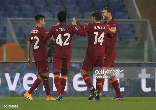 Edin Dzeko of A.S Roma celebrates with teammates Stephan El Shaarawy, Amadou Diawara and Gonzalo Villar of A.S Roma after scoring his team's first...