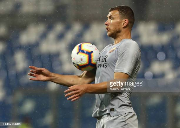 Edin Dzeko of AS Roma controls the ball during the Serie A match between US Sassuolo and AS Roma at Mapei Stadium Citta' del Tricolore on May 18 2019...