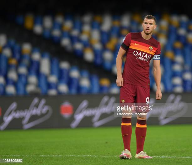 Edin Dzeko of AS Roma during the Serie A match between SSC Napoli and AS Roma at Stadio San Paolo on November 29, 2020 in Naples, Italy.