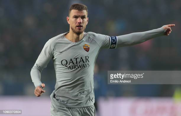 Edin Dzeko of AS Roma gestures during the Serie A match between Atalanta BC and AS Roma at Stadio Atleti Azzurri d'Italia on January 27 2019 in...