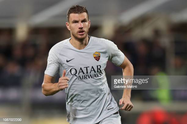 Edin Dzeko of AS Roma in action during the Serie A match between ACF Fiorentina and AS Roma at Stadio Artemio Franchi on November 3 2018 in Florence...