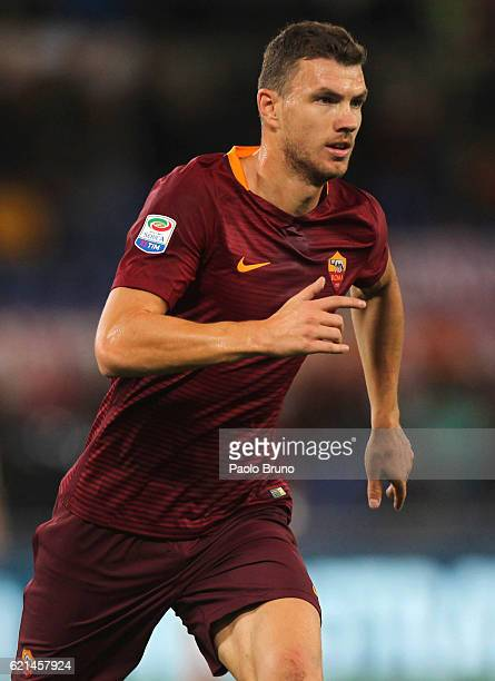Edin Dzeko of AS Roma in action during the Serie A match between AS Roma and Bologna FC at Stadio Olimpico on November 6 2016 in Rome Italy