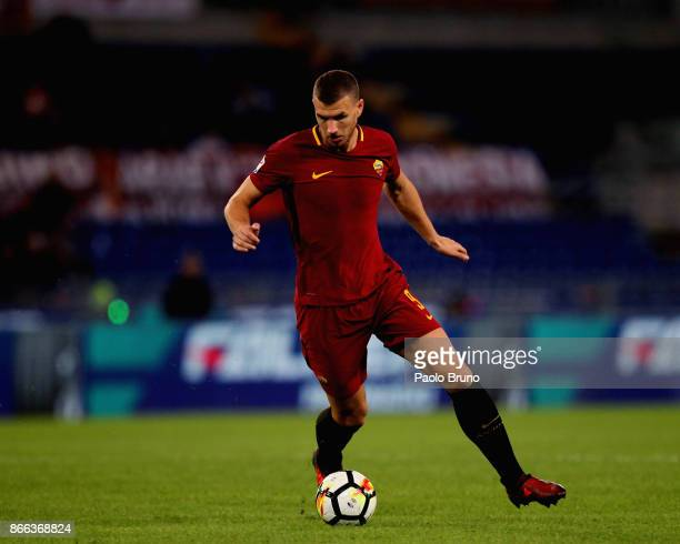 Edin Dzeko of AS Roma in action during the Serie A match between AS Roma and FC Crotone at Stadio Olimpico on October 25 2017 in Rome Italy
